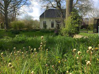 Haarlems klokkenspel in de berm bij Harsta State.