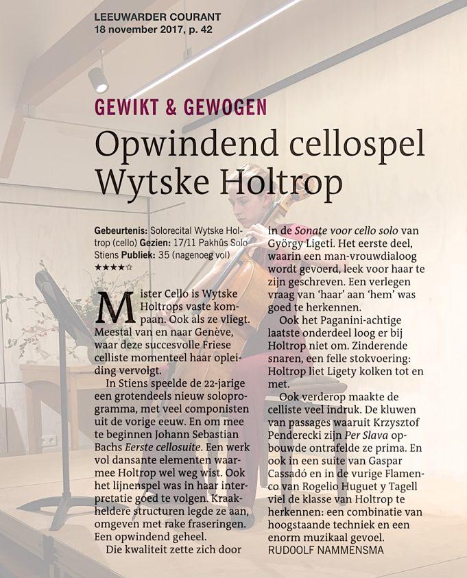Wytske Holtrop in Pakhûs SOLO, 2017. Artikel Rudolf Nammensma,