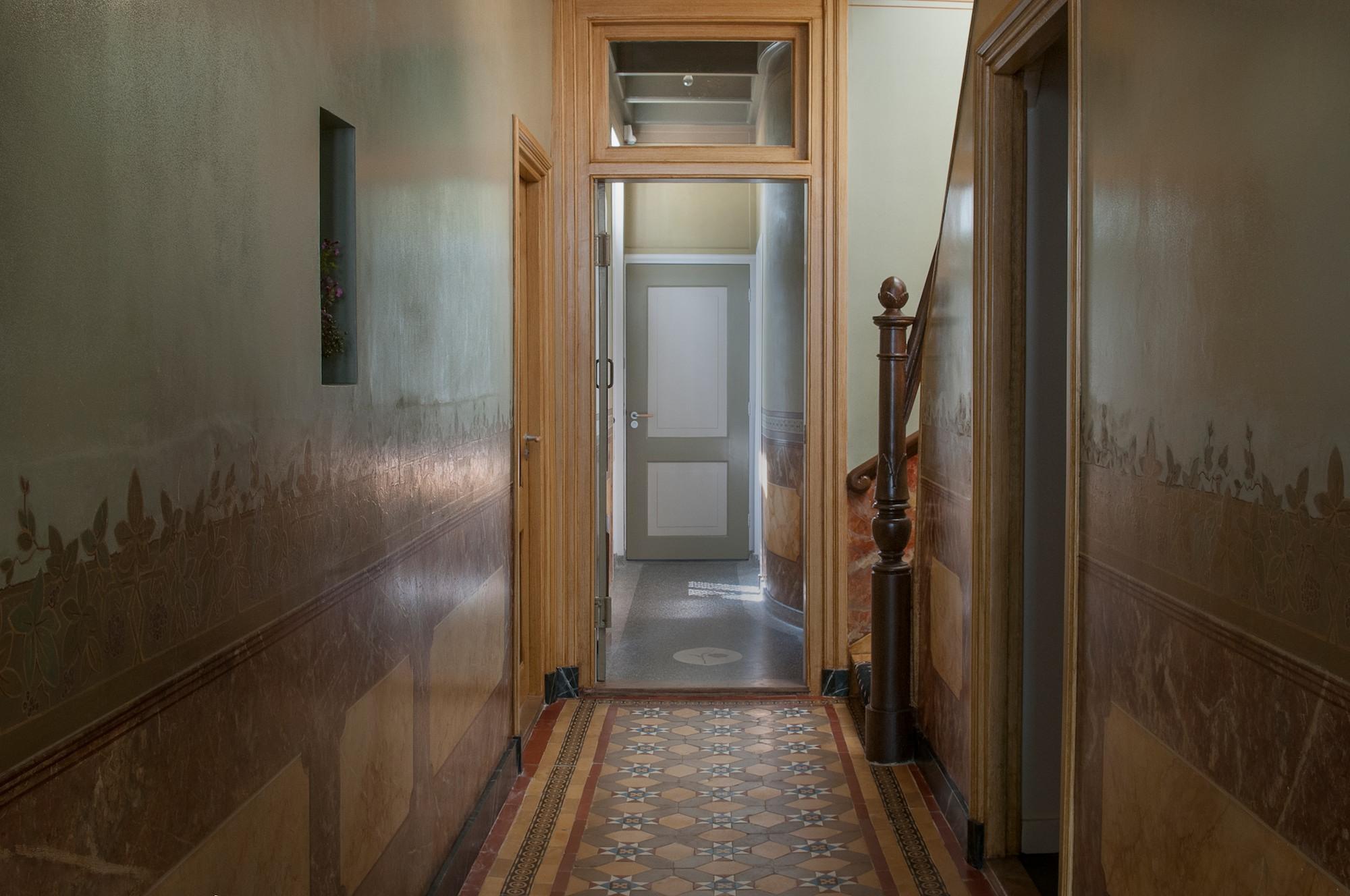 Interieur begane grond stinze stiens - Deco gang huis ...