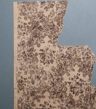 Behang ca. 1840, oudste behang (fragment)